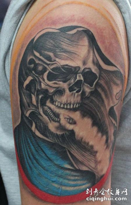 胳膊上的骷髅死神纹身图片