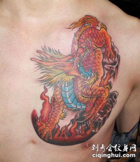 胸前的麒麟纹身