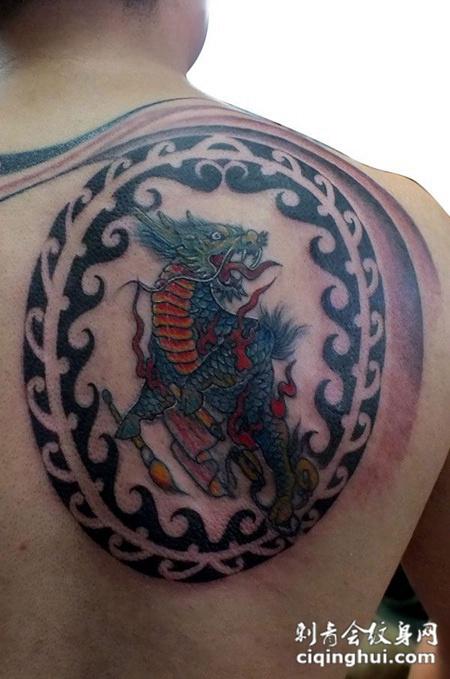 后背上的麒麟印纹身