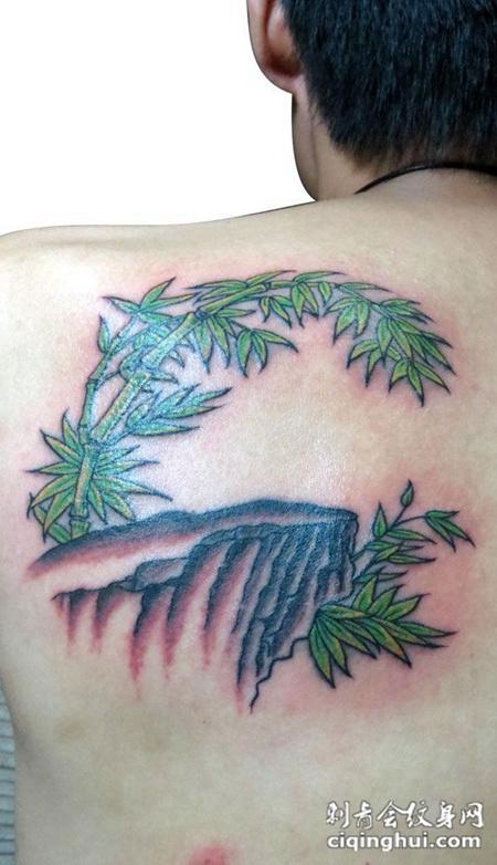 背部的竹子纹身