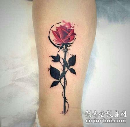 蔷薇之恋,腿部好看的玫瑰花彩绘纹身