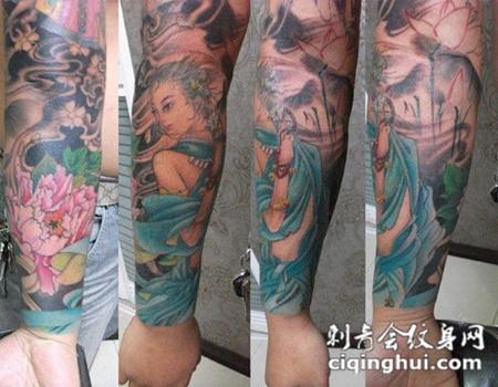 胳膊上的仙女荷花纹身