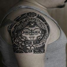 大臂外侧部落图腾纹身图案