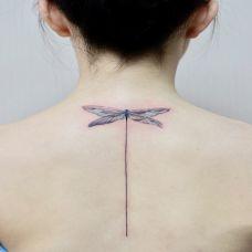 夏日精灵,后背蜻蜓小清新纹身