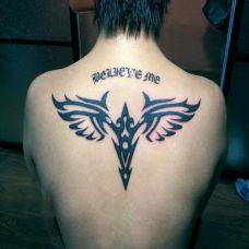 背部图腾天使纹身
