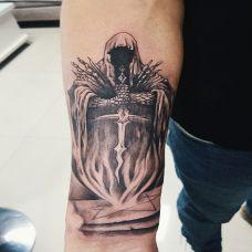 手腕圣骑士纹身图案
