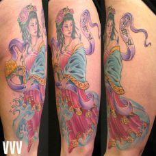 大臂上的仙女纹身图案