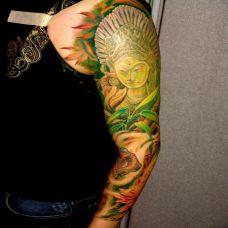 花臂绿色观音像纹身图案