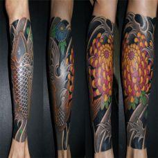 包小腿鲤鱼菊花纹身图案