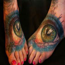 脚背上的眼睛纹身图案