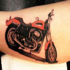 小腿上的摩托机车纹身图案