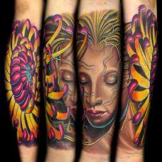 小臂上的美女菊花纹身图案