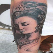 小臂上的敦煌神女纹身图案
