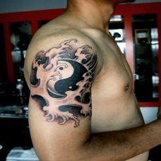 胳膊上的太极图纹身图案