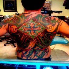 满背绿色巨龙纹身图案