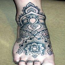 脚面上的海娜图腾纹身图案