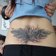 后腰上的菊花纹身图案