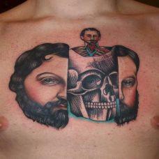 胸前的面具骷髅纹身图案