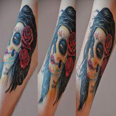 小腿上的deadgirl纹身图案