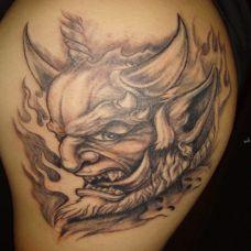 长角的恶魔纹身
