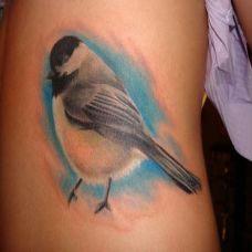 腰侧的小麻雀纹身图案