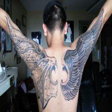 满背恶魔天使翅膀纹身