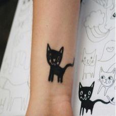手腕上的小猫咪纹身图案