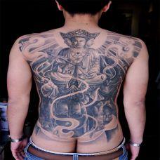 满背三面佛像纹身图案