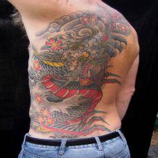 半背樱花龙纹身图案