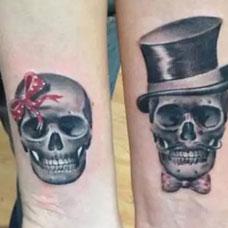 手腕上的骷髅情侣纹身图案