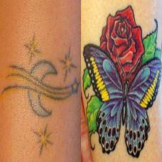 大臂上的玫瑰花蝴蝶遮盖纹身图案