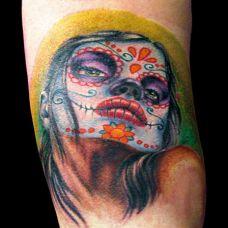 小臂上的deadgirl纹身图案