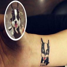 手腕上的小狗纹身图案