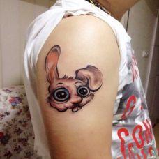 胳膊上的小兔子纹身图案