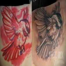 肩膀上的麻雀纹身图案