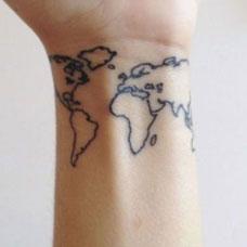 手腕上的小清新地图纹身图案