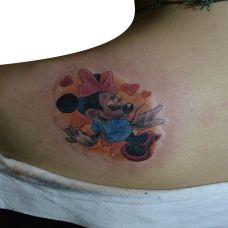 背部米老鼠纹身