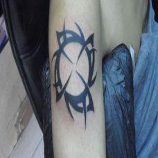 胳膊上的风车纹身