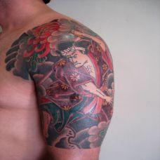 肩膀上的日本武士纹身