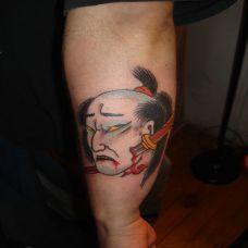 小臂上日本武士纹身