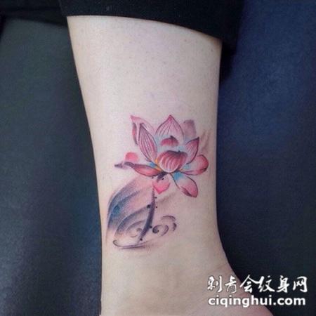清幽彩莲,脚踝莲花彩绘纹身