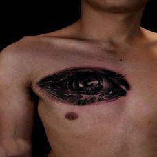 完美的视线,胸部3d效果眼睛纹身