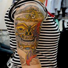 福之将至,大臂嘎巴拉骷髅彩绘纹身