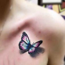 蝴蝶翩翩飞,锁骨处3d彩绘蝴蝶纹身