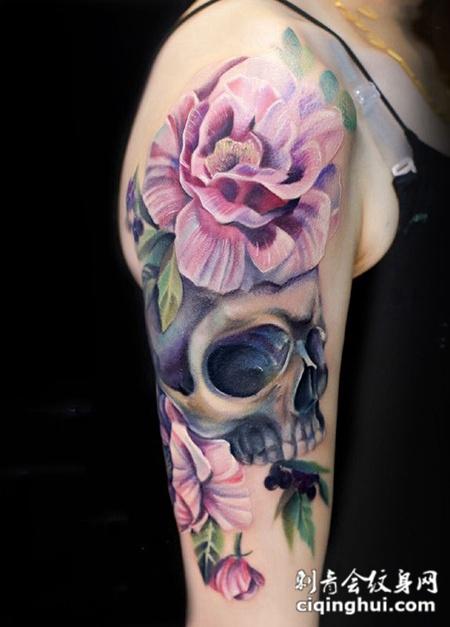 美丽消亡,手臂鲜花与骷髅彩绘纹身