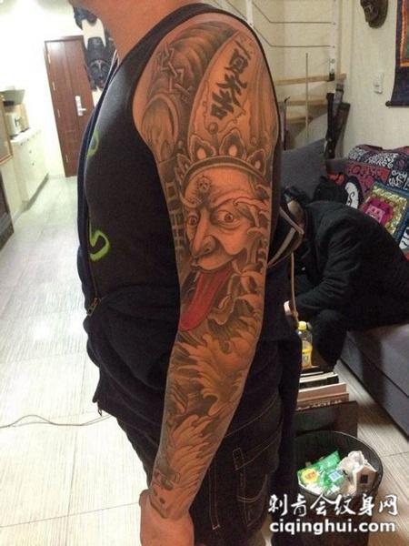男人潮流个性花臂纹身图案