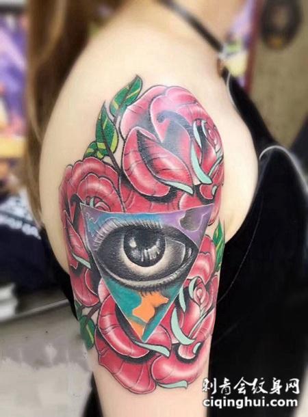 脚踝处细腻的玫瑰花纹身或者玫瑰花语,手臂玫瑰花彩绘纹身.