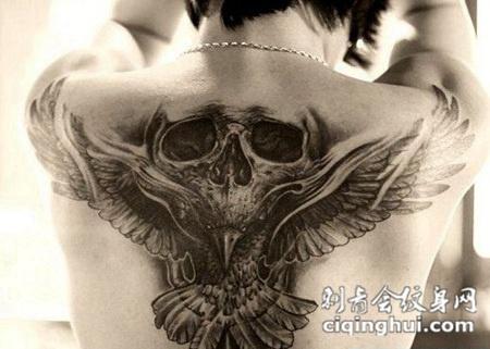 艺术酷黑骷髅背部纹身