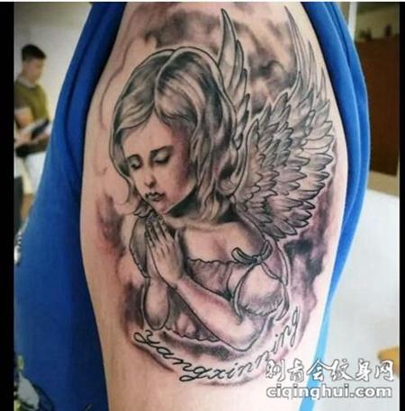 个性独特的天使纹身