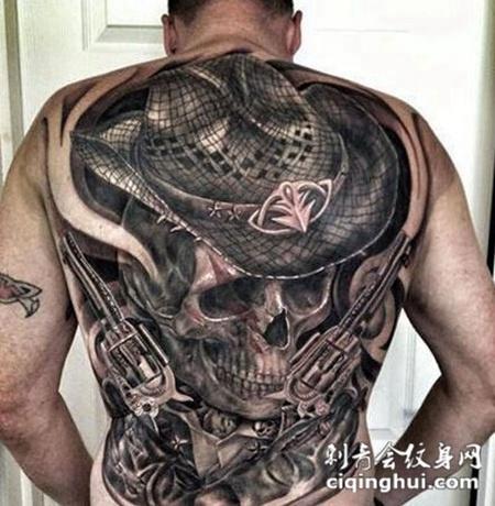 前卫骷髅背部炫酷纹身图案
